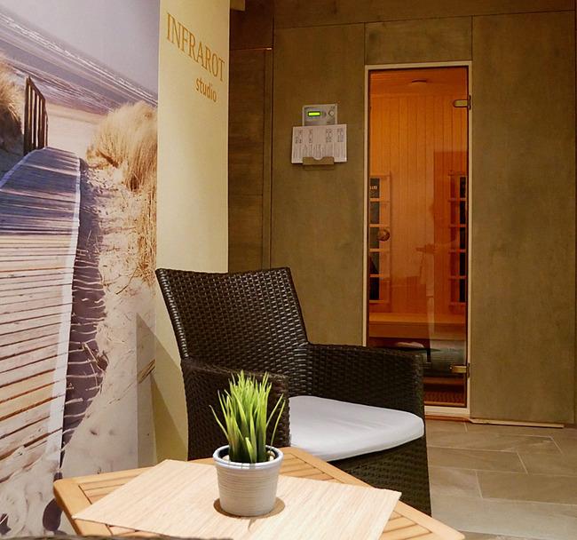 Ruheraum mit Sauna und Infrarot-Studio