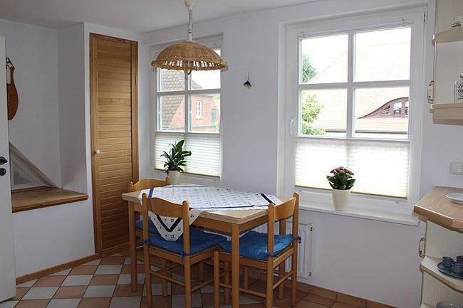 Appartement IV - Küche mit Esstisch