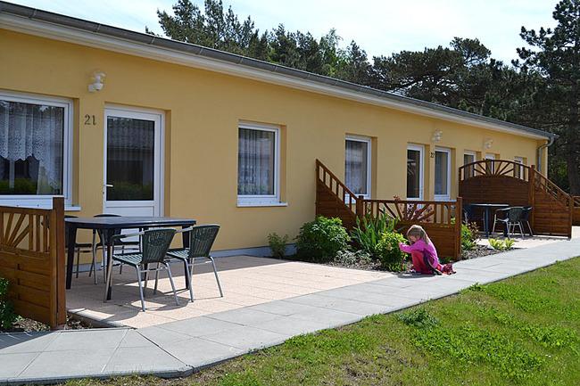 Ferienwohnung mit möblierter Terrasse