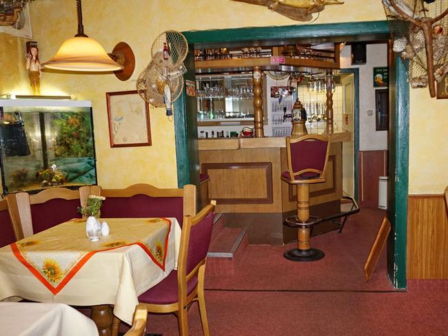 gemütliches Restaurant mit Tresen