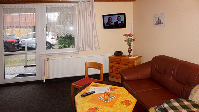 Appartement 1 - Wohnraum mit Couch