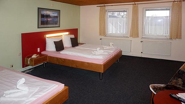 Zimmer 6 mit drei Betten