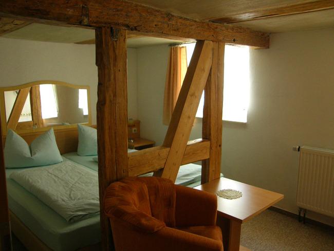 Doppelzimmer 4 mit Balken