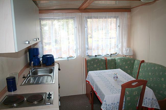 Mobilheim - Küche und Essplatz