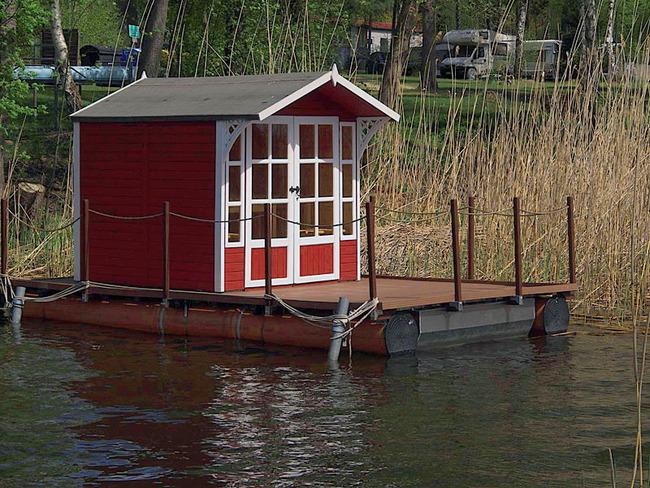 schwimmende Seehütte