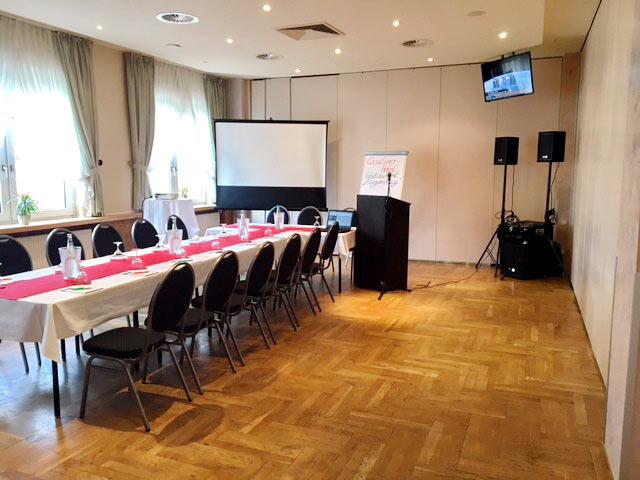 Tagungsraum mit moderner Tagungstechnik