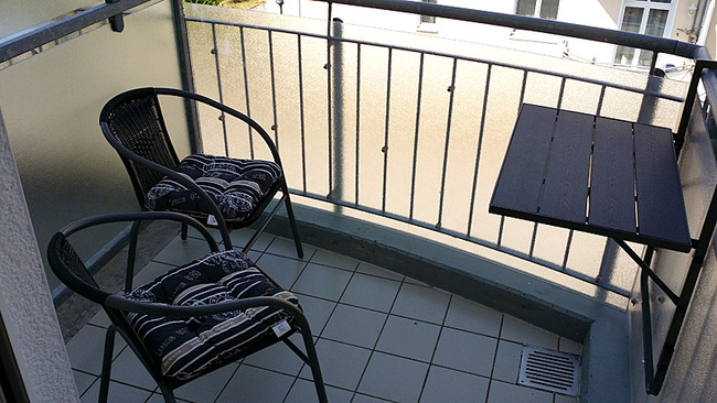 Balkon mit Sitzplätzen