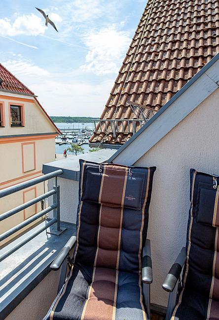 Fewo Meersinn - Balkon mit Hafenblick