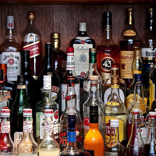 große Auswahl an Spirituosen