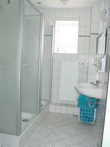 Duschen im Waschraum