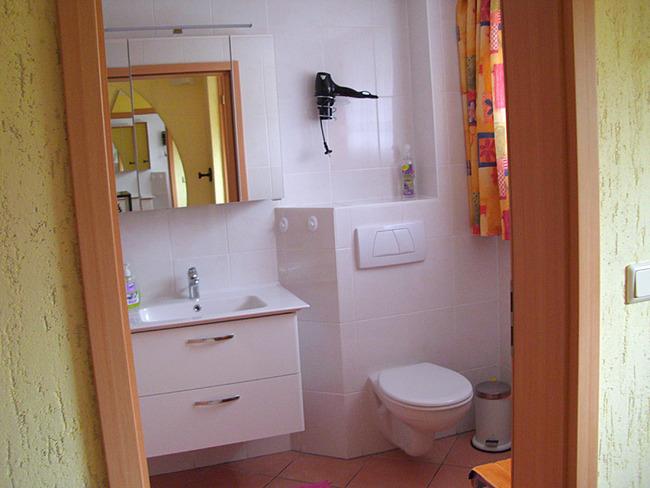 Fewo 1 - Bad mit WC und Waschtisch