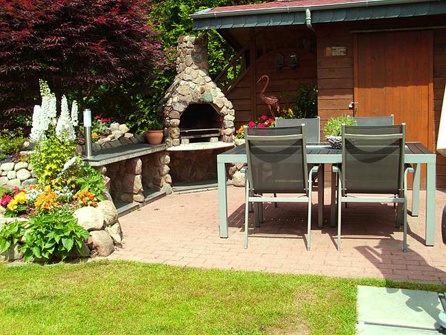 Fewo 1 - Terrasse mit Grill und Gartenmöbel