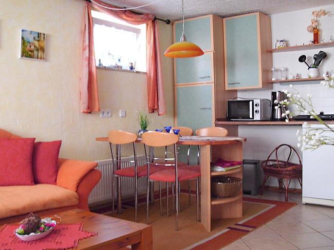 Fewo 2 - Wohnraum mit offener Küche