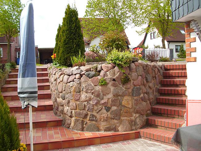 Fewo 2 - Treppen zum Garten