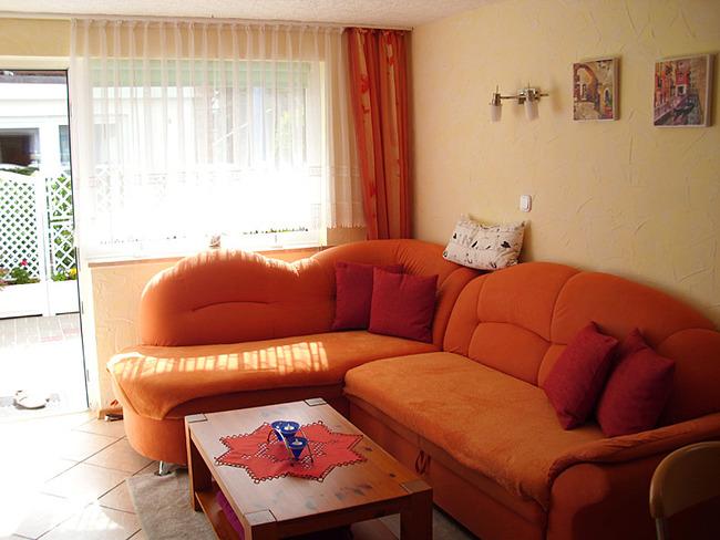Fewo 2 - Wohnraum mit Couchecke