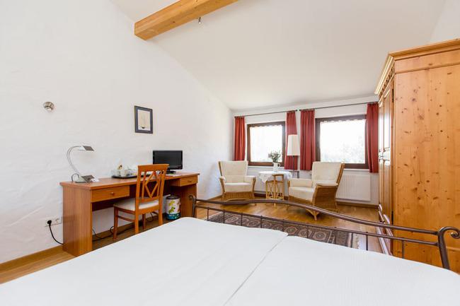Dopelzimmer 15 - Zimmeransicht vom Bett