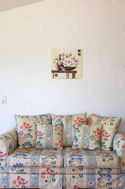 Doppelzimmer 16 - Sofa im Wohnbereich