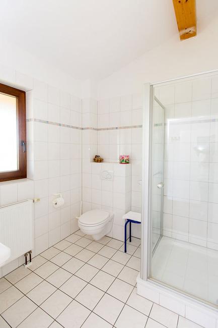 Doppelzimmer 14 - Bad mit Dusche