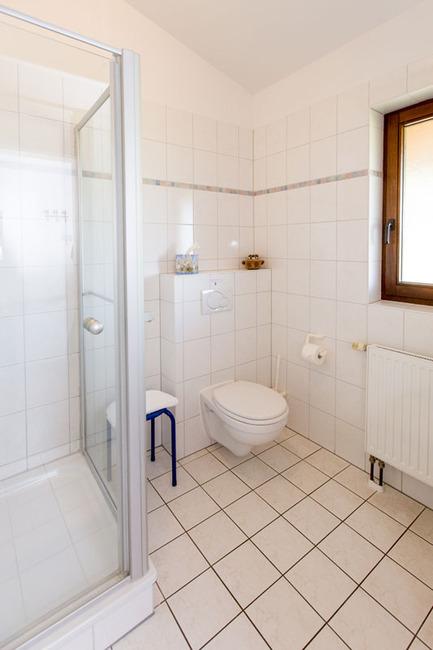 Doppelzimmer 12 - Bad mit Dusche