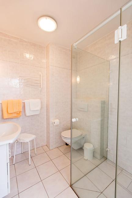 Appartement 6 - Badezimmer mit Dusche