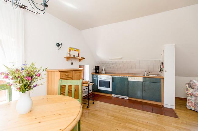 Appartement 6 - Küchenzeile mit Esstisch