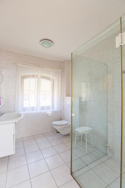 Appartement 5 - Badezimmer mit Dusche