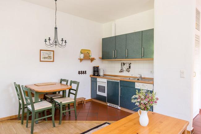 Appartement 4 - Küchenzeile & Essbereich