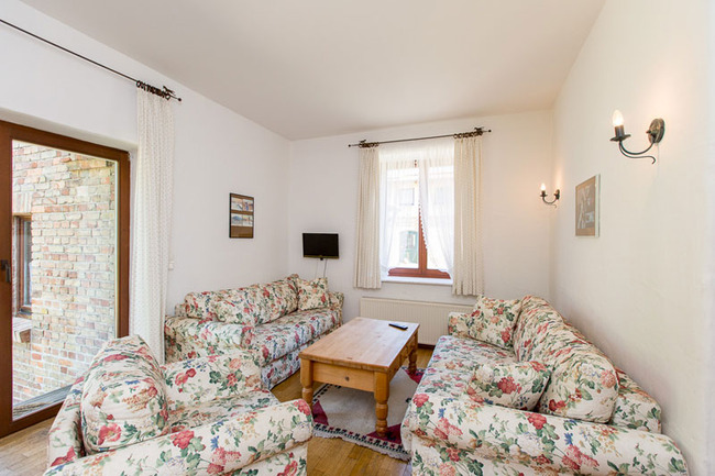 Appartement 2 - Couchecke mit TV