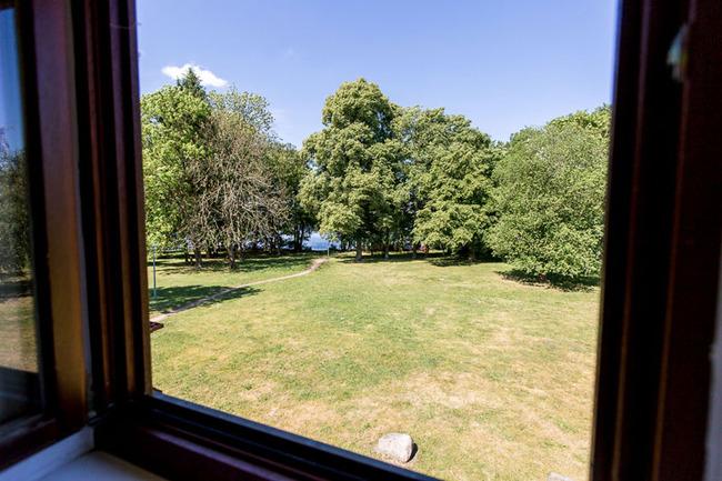 Appartement 1 - Blick aus dem Badezimmerfenster