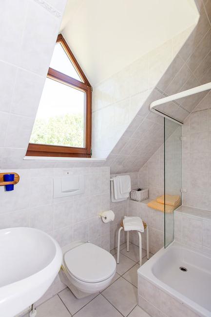 Appartement 1 - kleines Bad im Obergeschoß