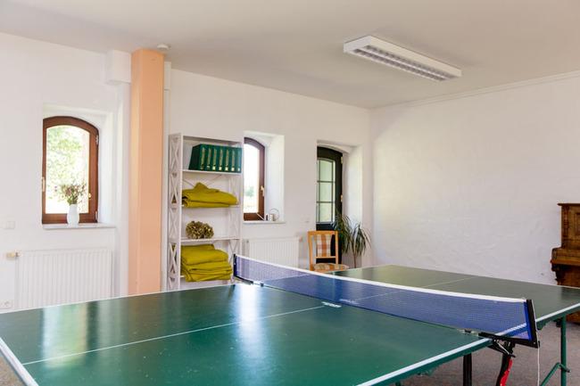 Tischtennisplatte im Aufenthalts- und Seminarraum
