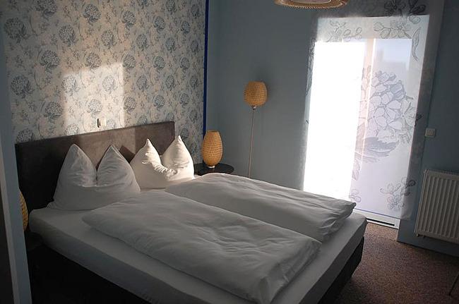Familienzimmer mit Doppelbett
