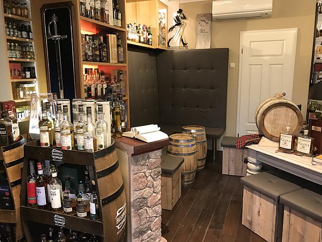 Sitzecke in der Whisky Oase