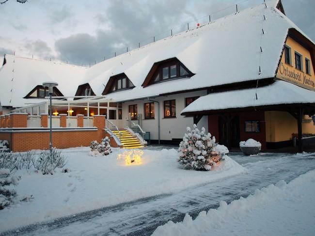 Hauptgebäude_im_Winter