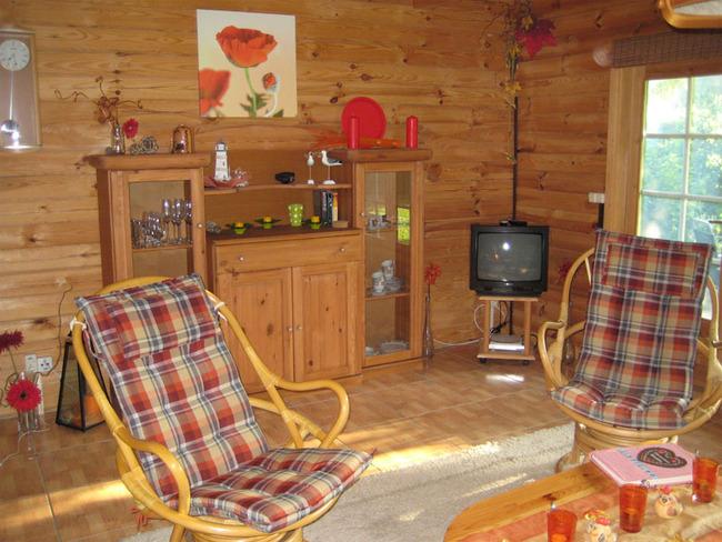 Haus 1 Wohnzimmer mit Sat-TV