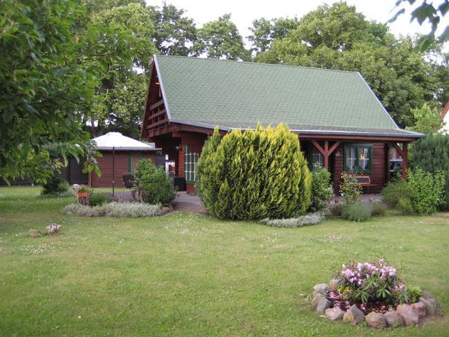 Haus 1 Aussenansicht vom Garten