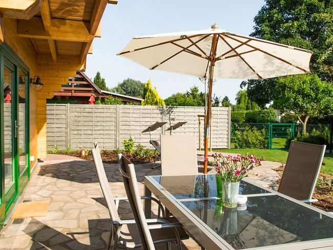 Haus 3 Terrasse mit Essplatz