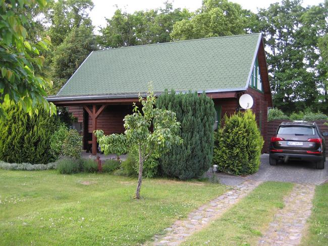 Haus 1 Garten und PKW Stellpätze