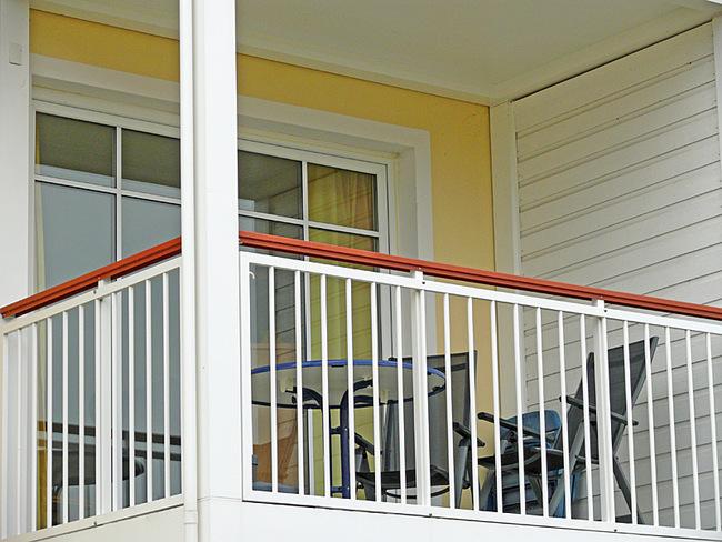 möblierter Balkon nach Süden