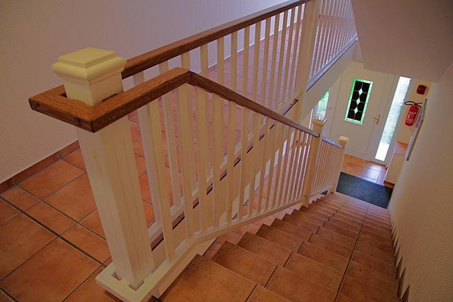 Treppe zur zweiten Etage