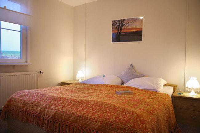 Haus Wismar Schlafzimmer 2 mit Doppelbett