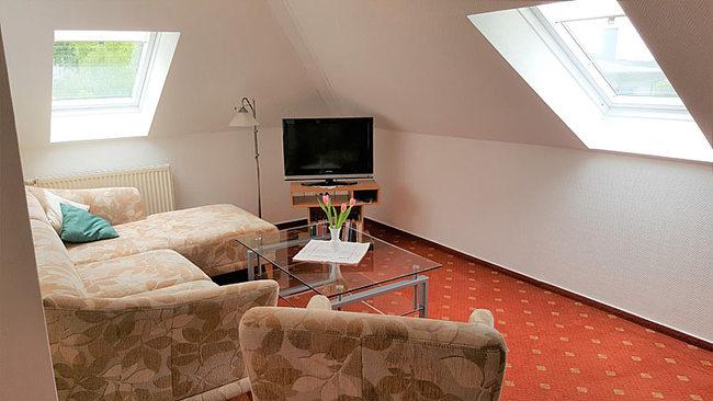 Wohnzimmer im DG mit Couchecke