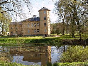 Schloss mit schönem Park