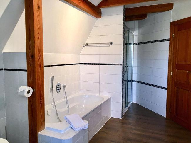 Haus Monika - Bad mit Wanne
