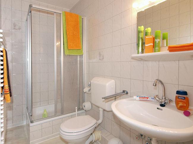 kleine Fewo - Bad mit Dusche