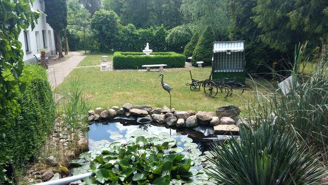 Garten mit Teich & Sitzecken