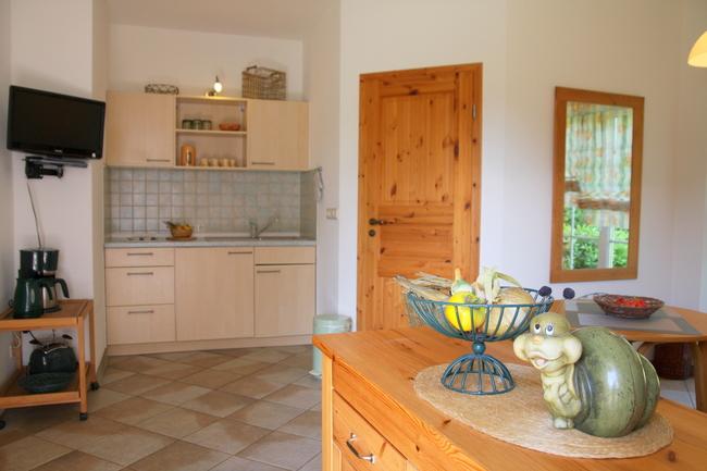 """""""Müritzwiese"""" Eingangsbereich mit Blick zur Küche"""