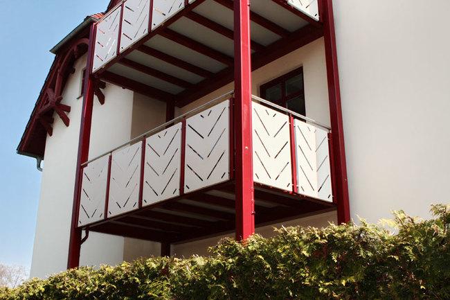 Westseite mit Balkon der Fewo 3