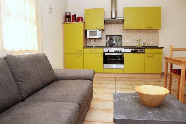 Wohnbereich und Küche der Fewos 2 und 4