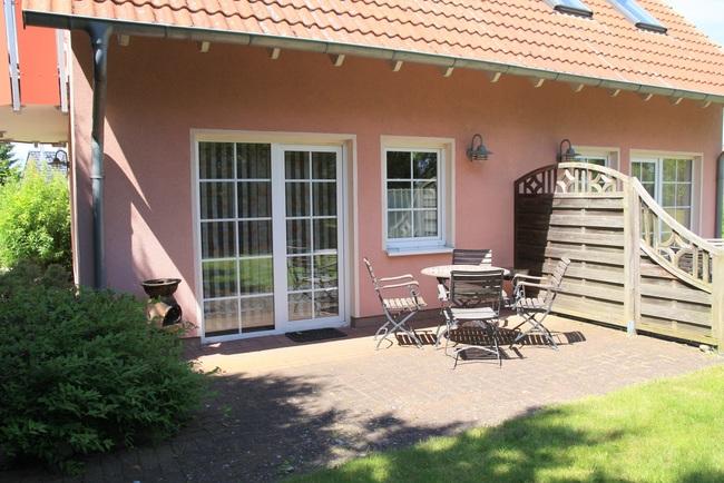 """Terrasse Wohnung """"Müritzwiese"""""""
